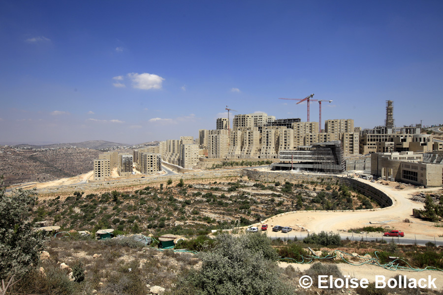 The first planned Palestinian city of Rawabi, Sloping down a hill 9 kilometers north of Ramallah, does not resemble any other Palestinian city in its architectural design.